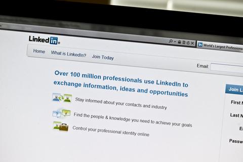 LinkedIn-Job-Career-Tips-Career-Advice-Robert-Starks-Jr.-Careertipster